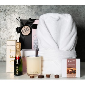Moet and Candle Pamper Gift Set - 1